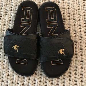 And1 slippers size 8